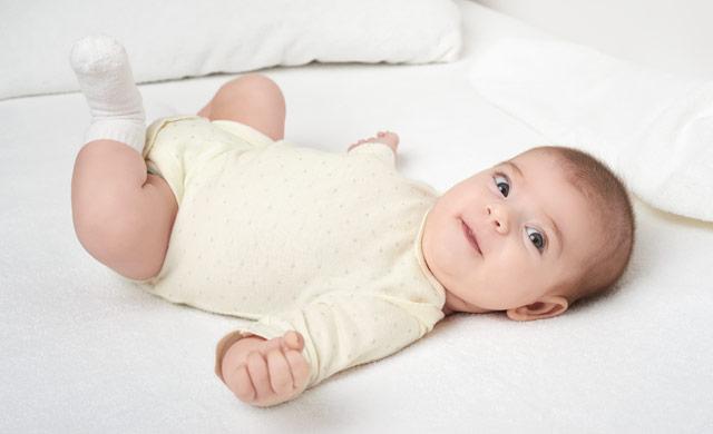 Očesni kontakt z dojenčkom