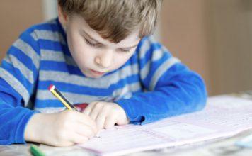 Otrok pri učenju