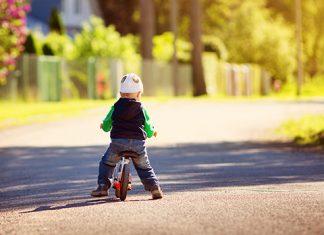 Otrok na kolesu