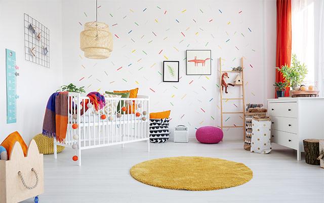Popestritev sten otroške sobe s tapetami